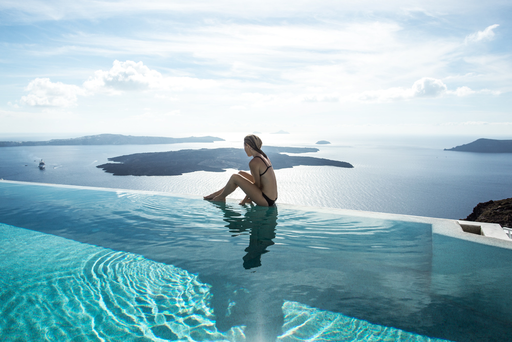 Grace-Hotel-Santorini-Luxe-Nomad-Pool-Oracle-Fox.3.5